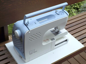 Kenmore Elite Ergo 3 Embroidery Sewing Machine used Kitchener / Waterloo Kitchener Area image 3