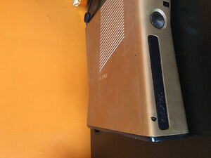 Xbox 360 with head set 8 games and 3 controllers Stratford Kitchener Area image 3
