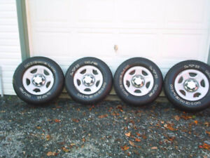 4 Michelin Tires with Rims and Centers 2 Pics