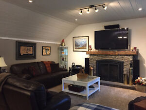 HIGH END FURNISHED COACH HOUSE IN HEART OF KINCARDINE AVAILABLE
