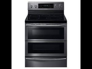 Cuisinière électrique de 5,9 pi³ avec technologie Flex Duo en acier inoxidable noir Samsung ( NE59J7850WG )