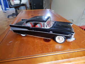 MODELE - REVELL 1957 CHEVY BEL AIR 1:12 SCALE BIG MODEL