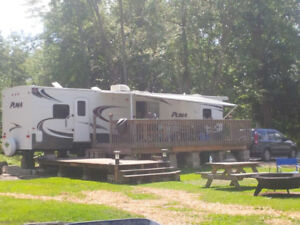 DELUXE 2014 PUMA 39' PARK MODEL TRAILER - MOVING & MUST SELL!