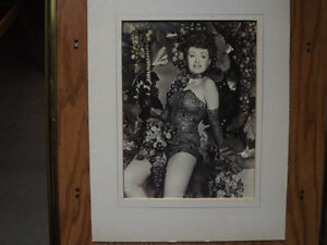 """FS: """"Ice Cycles Of 1952"""" (Ice Capades) Figure Skating Signed Pho London Ontario image 3"""