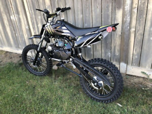 Monster edition!! Full Size!! 125cc Manual Dirtbike!! New Units