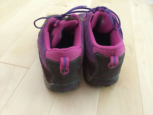 Girls Merrell shoes for fall/spring size 3.5 Kitchener / Waterloo Kitchener Area image 4