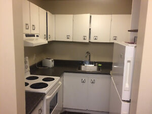 1 bedroom apt for lease take over