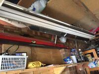3 tube strip light