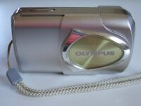 Olympus µ[mju] 400 / Stylus 400 4.0MP Digital Camera - Metal Silver - All Extras - Bargain £13