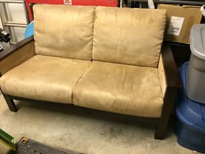 couch, clean, very good condition