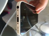 Apple iPhone 5c 32gb White. Fully boxed with accessories. Unlocked to all networks