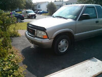 GOOD DEAL. GOOD TRUCK. 03 GMC SONOMA. V6.  EXC COND $2100