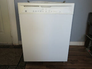 White GE Built In Triton Triclean Tall Tub Dishwasher