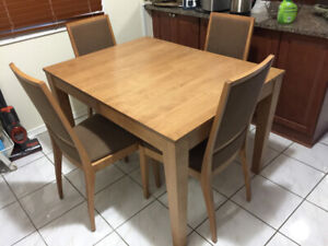 Hardwood Dinning Table and 4 chairs