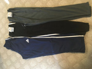 Men's sports pants size small. All new