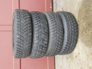 Hankook i*Pike RC01 winter tires. 175/70R13 82T
