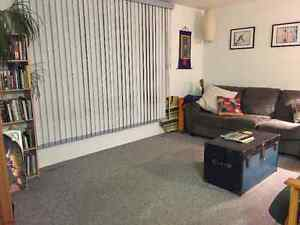 Close to University Bright Modern Spacious Home, Upper Level