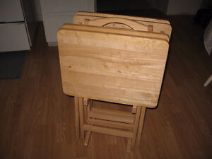 4 wooden serving tables with stand