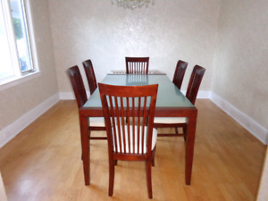 Dining room set ** Need gone by Friday **