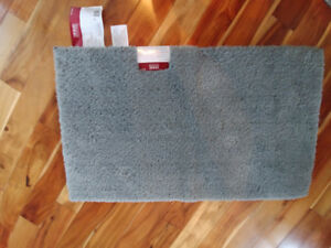 Super soft bath mats - never used