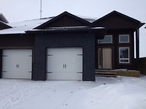 Newer duplex in Warman