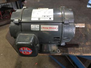 Moteur electrique 3 hp 600 volt
