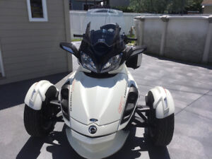 CAN AM SPYDER ST LIMITED. FAUT VOIR !!!