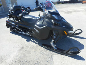 2017 SKI-DOO Expedition ACE 900 LE W/T 20 po Motoneige