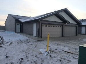 Downsize With Room For Your Toys - 100' Backyard Strathcona County Edmonton Area image 4