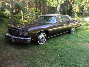 Must see 1975 Chev Caprice Classic!