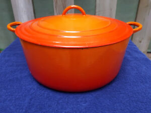 Le Creuset Enameled Cast-Iron Dutch Oven (9 litres)