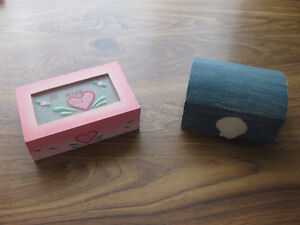 2 Girl's Jewelry Boxes Windsor Region Ontario image 1