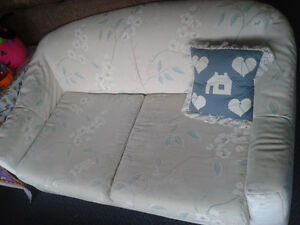 Affordable Couches Loveseats at the Meetinghouse! Windsor Region Ontario image 5