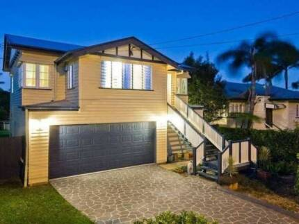 Two storey Queenslander with a pool for Summer - 180 Ashgrove Ave