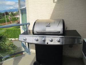 Char Broil Classic barbeque