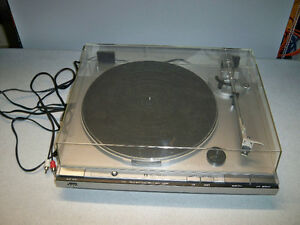 JVC DIRECT DRIVE TURNTABLE-VINTAGE Edmonton Edmonton Area image 2
