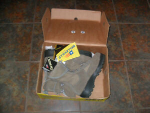 COLD WEATHER STEEL TOOL WORK BOOTS(NEW)