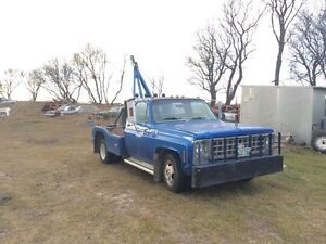 1980  Chevy c/30 tow truck wrecker Holmes 440