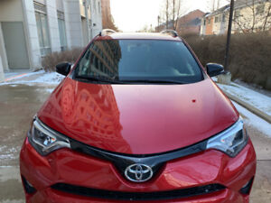 Toyota RAV4 AWD SE Lease take over