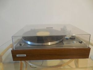 Pioneer Turntable - Table tournante