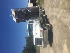 1995 Mac truck 454
