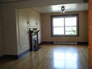 4½ -5½ NDG near Westmount, 1 MONTH FREE - HEATED or NOT at 995$/