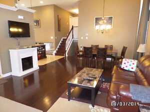 Beautiful Executive Style House - Bedroom  Avail. - Female Only