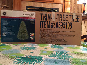 7.5 FT Christmas tree - Colorado Spruce with 600 lights Cornwall Ontario image 2
