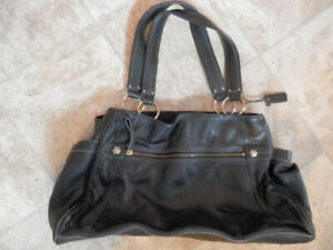 Lot of good quality leather purses (Clarks, Danier, The Sak...)