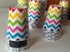 Rainbow chevron paper cups pack 8