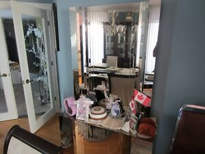 Mirrored Open Style Buffet