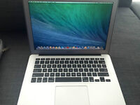 """Brand New MacBook Air 13"""" 2014 + Charger + Fancy Case"""