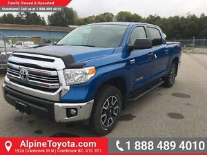 2016 Toyota Tundra TRD Off Road  Low km, 4x4, tow package, A/T t