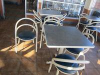 tables, chaises,  lavabo ,roubinet , poubelles